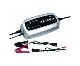 ctek-mxs-10-batterie-ladegeraet.jpg